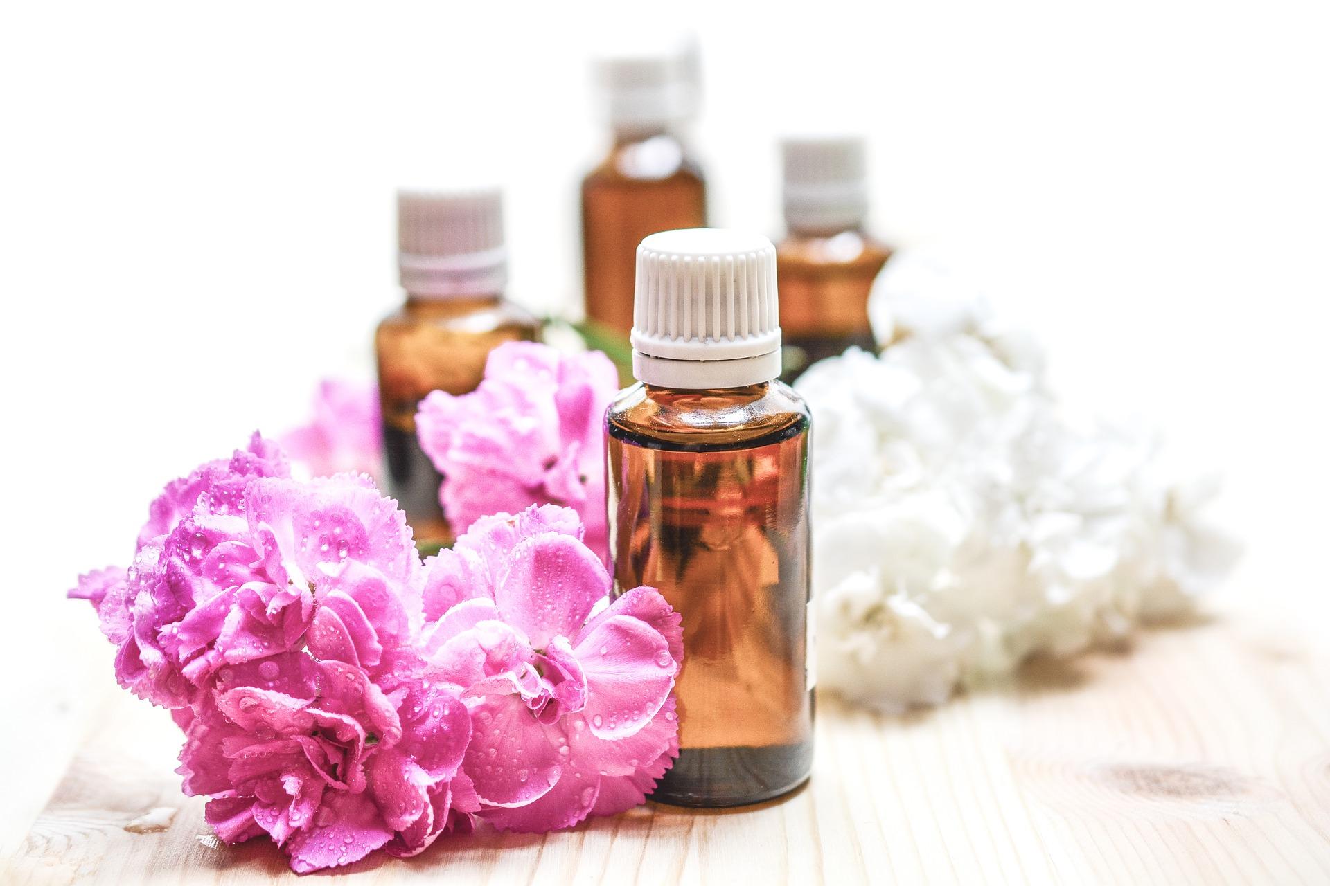 Essential Oils (pixabay)